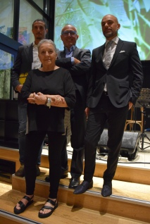 Annamaria Fassio al festival GialloLuna NeroNotte. Dietro Nevio Galeati, direttore artistico della manifestazione (al centro) con gli scrittori Gianluca D'Aquinto (a sinistra) e Salvatore Lecce (a destra)